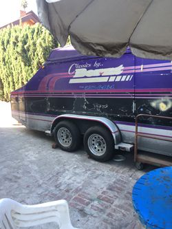Enclosed trailer very good condition for Sale in Los Angeles,  CA