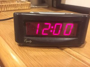 Radio alarm clock for Sale in Dallas, TX