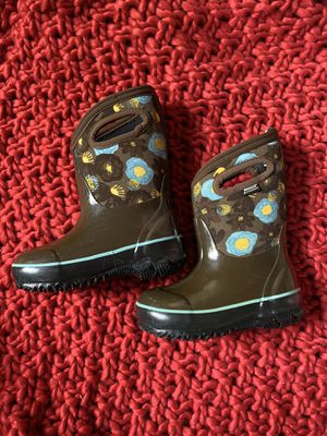 BOGS waterproof girl's boots size 8 for Sale in Virginia Beach, VA