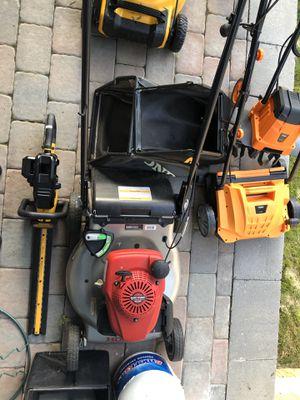 Honda HRR216VKA Self Propelled Lawnmower for Sale in Revere, MA