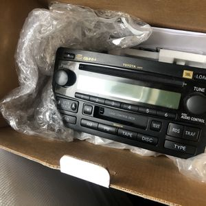 JBL Factory stereo unit with CD for Toyota sequoia. for Sale in Lake Stevens, WA