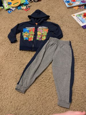 Toddler TMNT sweatsuit outfit for Sale in Damascus, OR
