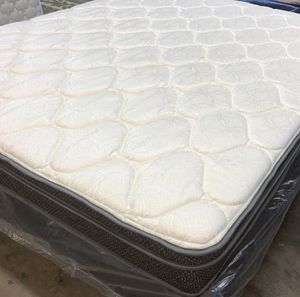 KING mattress set - Pillowtop. First come first serve - sacrificing for $275. for Sale in Bismarck, ND