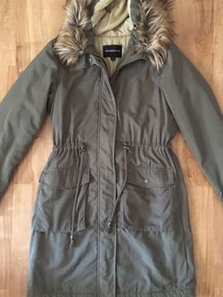 Who What Wear Army Green Parka W/ Faux Fur Hood for Sale in Los Angeles,  CA