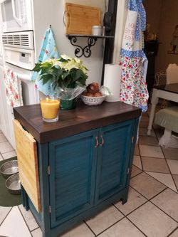 Kitchen hutch to hide garbage with drop down cutting board for Sale in Yelm,  WA