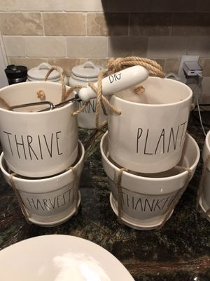 Rae Dunn Planter Pots & more. Slide Pictures...8 inch large THANKFUL planter 🎯 for Sale in Sanger, CA