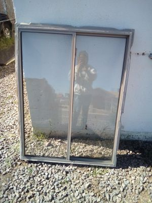 DUAL PANE WINDOW 3FT WIDE 4FT TALL ASKING $120 FIRM MUST PICK UP 73rd Ave and Indian School for Sale in Phoenix, AZ