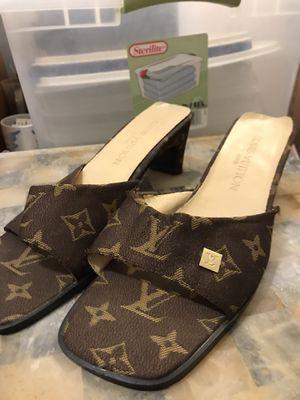 Louis Vuitton Size 10 Women's Sandals Heels Vintage Used for Sale in Centreville, VA
