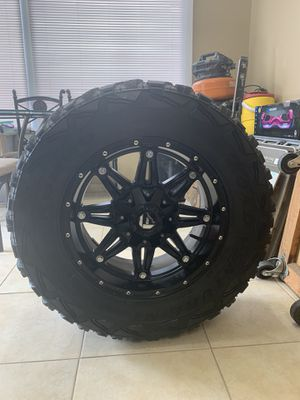 33/12.5/18 rims and tires for Sale in Winter Haven, FL