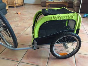BooYah dog stroller hooks onto bicycle for Sale in Guadalupe, AZ