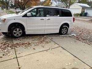Wheelchair handicap 2013 Dodge Grand Caravan for Sale in Chicago Ridge, IL