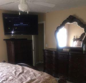 Nice Wooden Bedroom set for Sale in Murfreesboro, TN