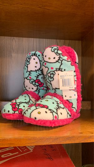 Hello Kitty Slippers NEW w/tags Sz 11/12 toddler for Sale in Oak Lawn, IL