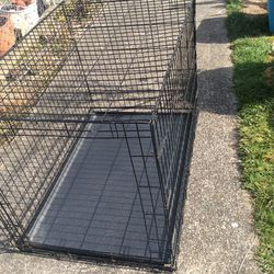 Dog Crate Size 42.75 L 28.75 W , 30..25 H Price 40$ Pick Up E 72nd Tacoma for Sale in Tacoma,  WA