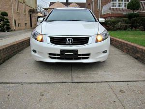 White Honda Accord EXL 2010 Wheels Good for Sale in Tampa, FL