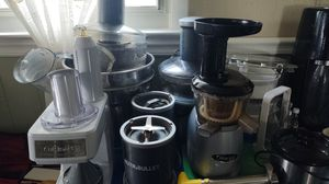 Kitchen equipment lot juicers, Vitamix, cuisineart for Sale in Winthrop, MA