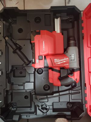 """Milwaukee 1-1/8"""" Rotary Hammer with Hammer Vaccum FIRM for Sale in Long Beach, CA"""