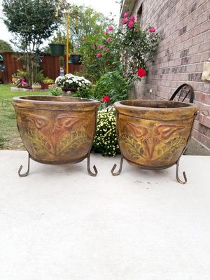 Brown Flower Clay Pots (Planters) for Sale in Wylie, TX