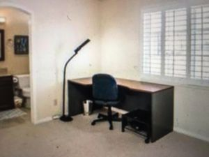 Office desk and chair and floor lamp for Sale in San Diego, CA