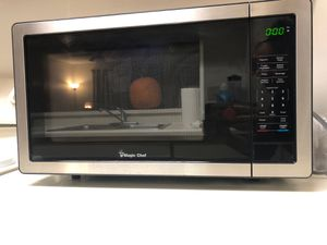 New microwave! Only had for 2 months. Moving tomorrow for Sale in Belle Isle, FL