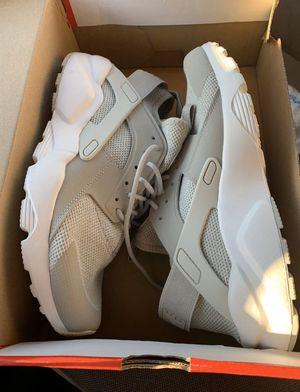 Brand New Nike run huaraches size 10 for Sale in Dallas, TX