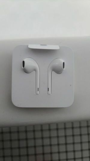 Original Apple iPhone Headphones (Brand New) for Sale in The Bronx, NY