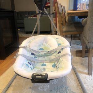 Graco Baby Swing - Very Good Condition, and Very Less Used for Sale in Shrewsbury, MA
