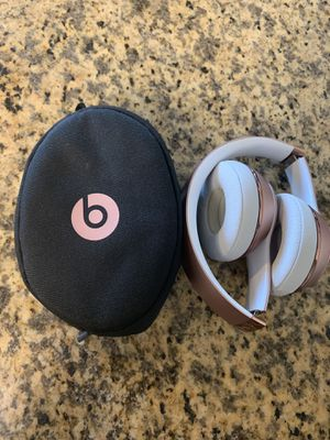 Beats by Dre Solo 3 Wireless Headphones Rose Gold for Sale in Los Angeles, CA