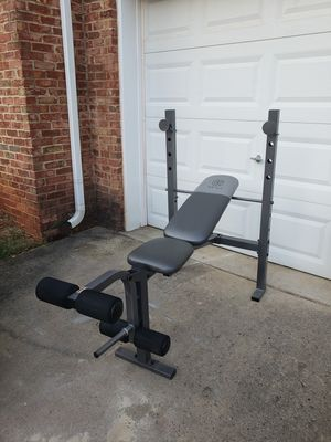 Gold's gym workout bench for Sale in Raleigh, NC