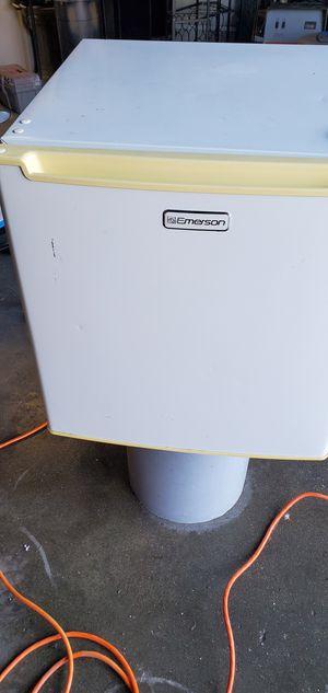 Mini refrigerador para apartamento o estudio for Sale in Fresno, CA