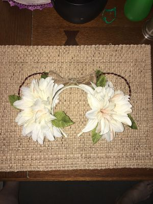 White floral wire Disney Ears for Sale in Riverside, CA