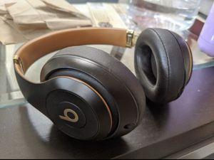 Beats studio 3 wireless (Skyline edition ) for Sale in New York, NY