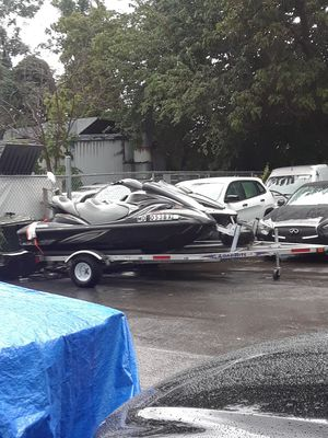 Two jet ski yamaha fx end honda 2006 for Sale in Montgomery Village, MD
