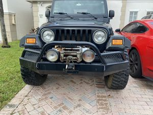 Jeep tj LJ front bumper w/ winch for Sale in Miami, FL