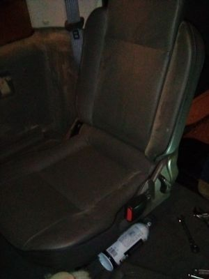 Land Rover Discovery folding seats for Sale in Glendale, CA