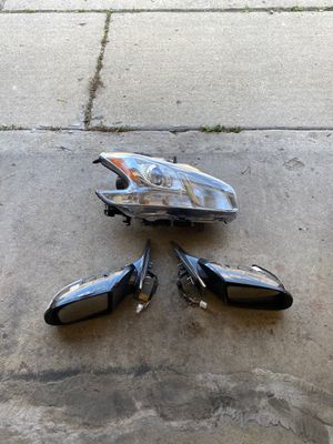 Nissan Maxima headlight and side mirrors for Sale in Bedford Park, IL