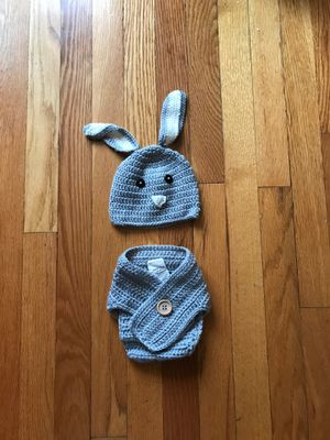 NB/Baby picture outfit crochet bunny diaper cover 0-6 mo for Sale in Murrysville, PA