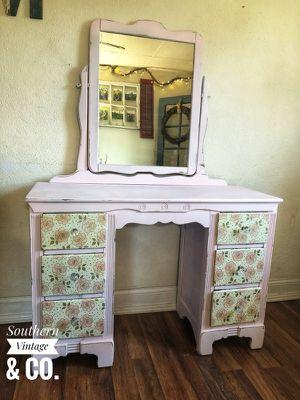 Vanity/desk for Sale in Shinnston, WV