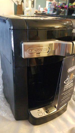 Coffe maker delonghi new for Sale in Miami, FL
