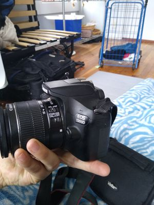 Canon t6 DSLR camera 1300 D wifi for Sale in New York, NY