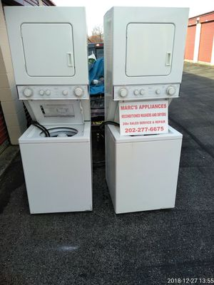 Whirlpool 24inch washer/dryer combo for Sale in Fort Washington, MD