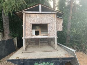 Chicken coop with hatching/egg door and roost for Sale in Portland, OR