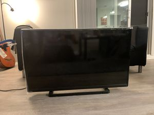 Used TV working very well for Sale in Farmington Hills, MI