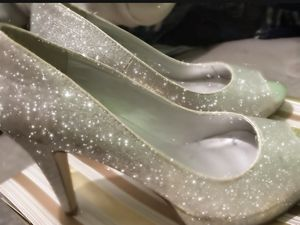 Glittery Silver Heels size 7 1/2 for Sale in Pomona, CA