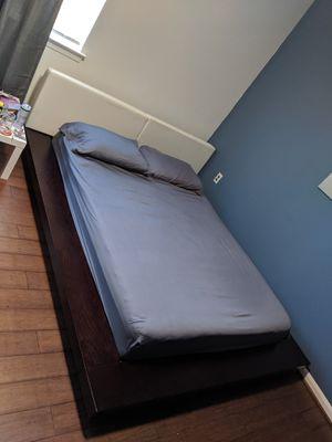 Queen Platform Bed Frame for Sale in Alexandria, VA