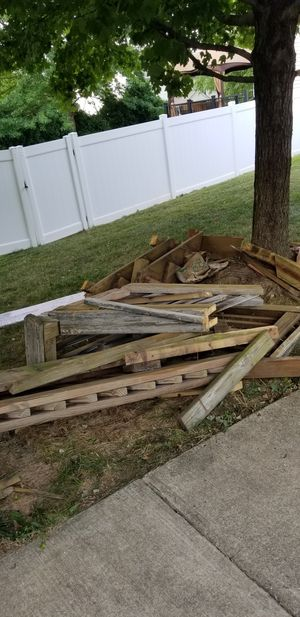 Deck Railing & Other Wood - FREE for Sale in Leesburg, VA