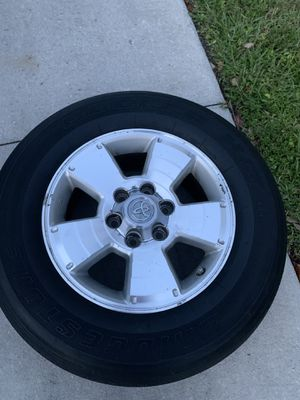 """Rims Toyota's 4Runner or Tacoma's 17"""" solo 3 piesas for Sale in Naples, FL"""
