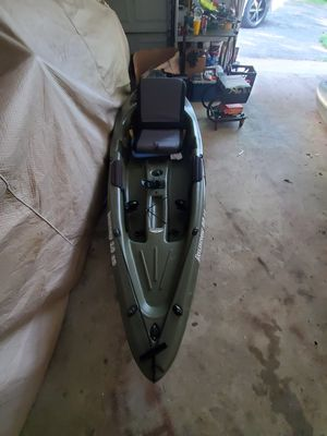 Sundolphin Sit On Top Fishing Kayak with paddle and removable/adjustable padded seating for Sale in Brandywine, MD