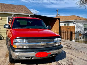 Chevy Tahoe 2000 for Sale in Denver, CO