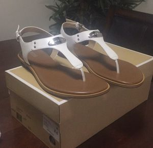 MICHAEL Michael Kors MK Plate Thong size 8.5 for Sale in Silver Spring, MD